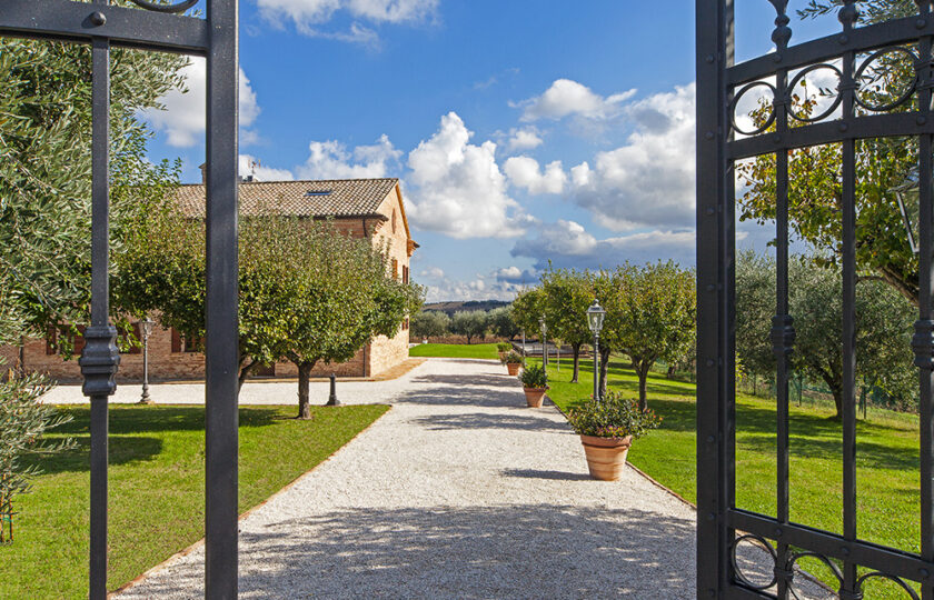 01_countryhouse_top_traditional_marche01